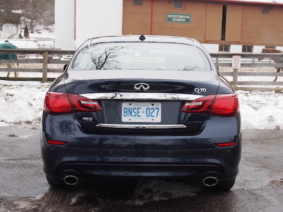 infiniti q70 exhaust led tail light