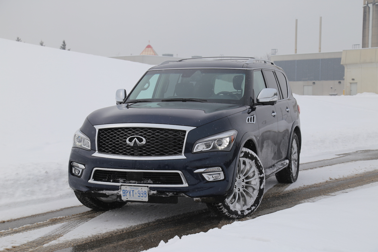 review 2015 infiniti qx80 canadian auto review. Black Bedroom Furniture Sets. Home Design Ideas