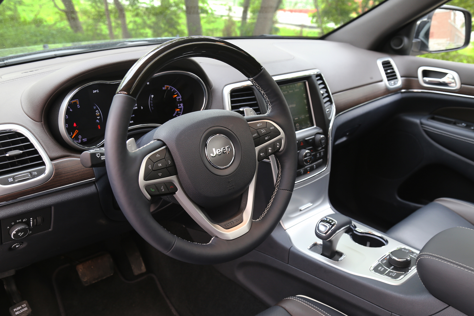 2015 jeep grand cherokee laredo autos post. Black Bedroom Furniture Sets. Home Design Ideas