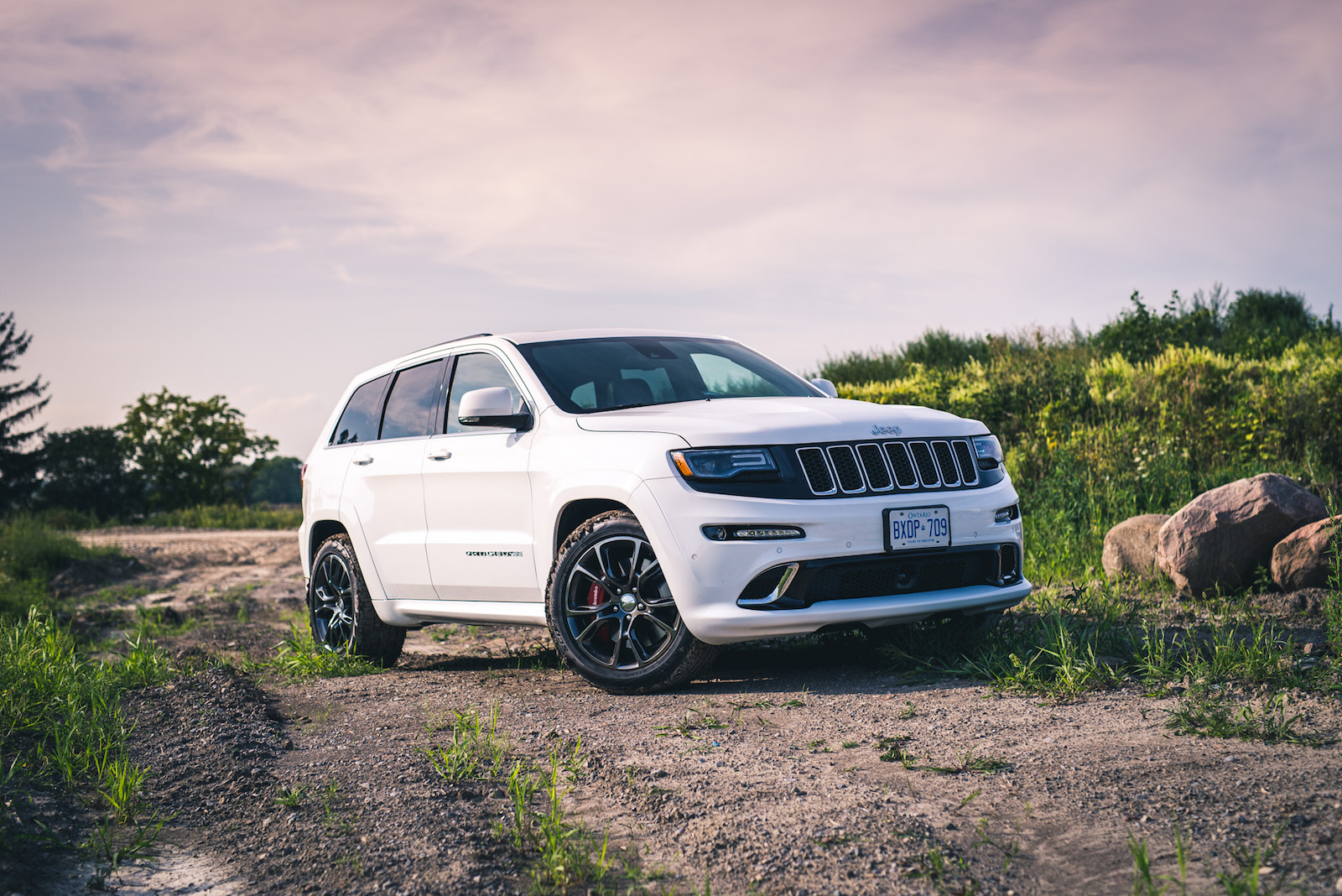 review 2015 jeep grand cherokee srt canadian auto review. Black Bedroom Furniture Sets. Home Design Ideas