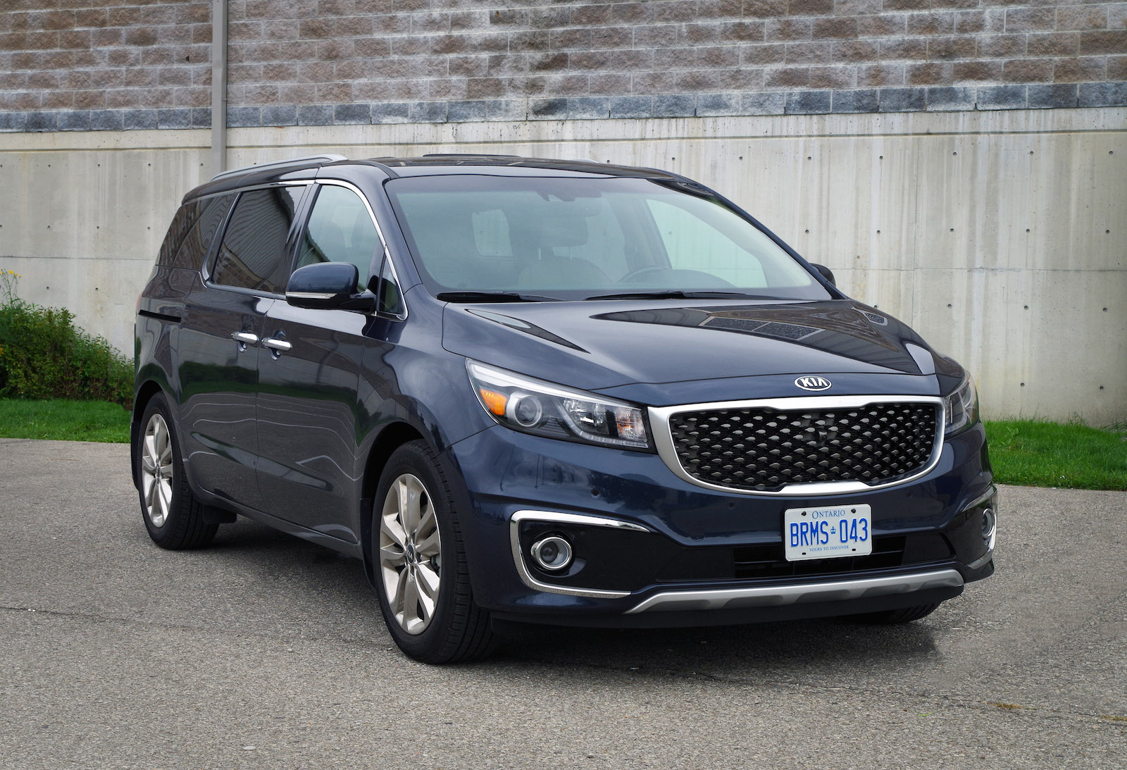 review 2015 kia sedona sxl canadian auto review. Black Bedroom Furniture Sets. Home Design Ideas