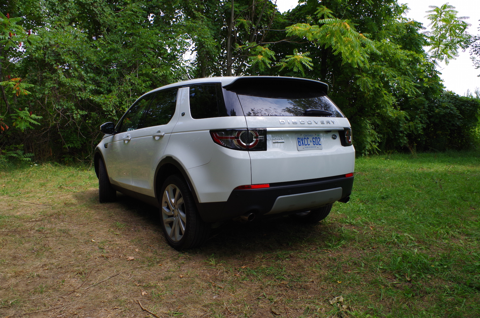 review 2015 land rover discovery sport canadian auto review. Black Bedroom Furniture Sets. Home Design Ideas
