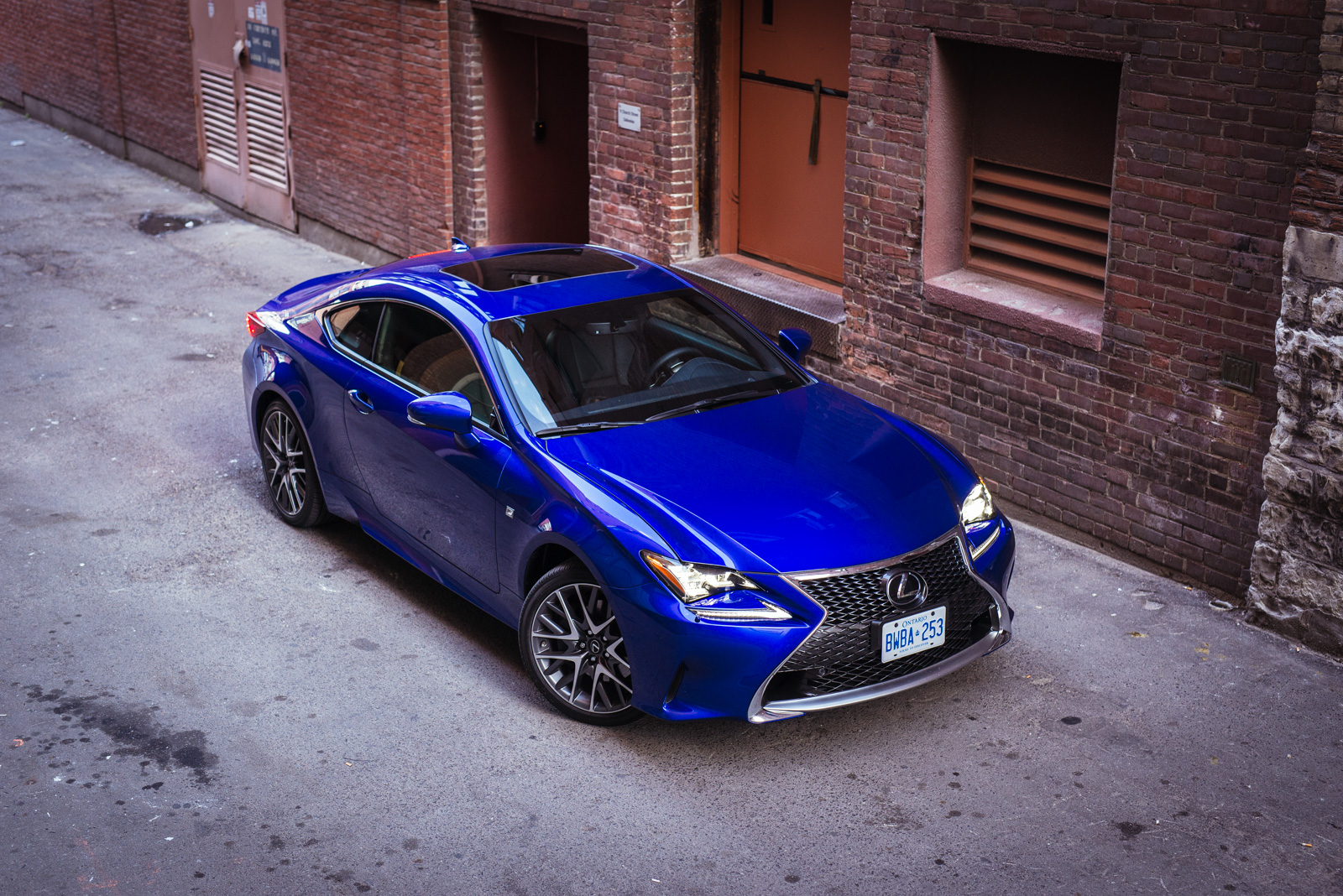 review 2015 lexus rc 350 awd canadian auto review. Black Bedroom Furniture Sets. Home Design Ideas