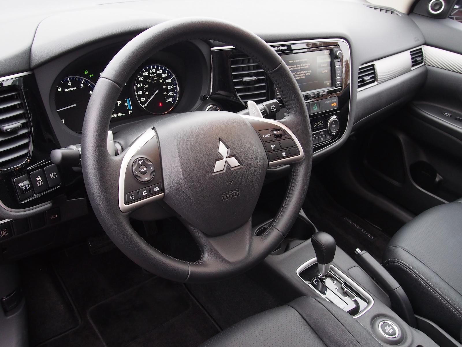 100 2015 mitsubishi outlander interior new for 2015 mitsubishi j d power cars 2016 for Mitsubishi outlander interior dimensions