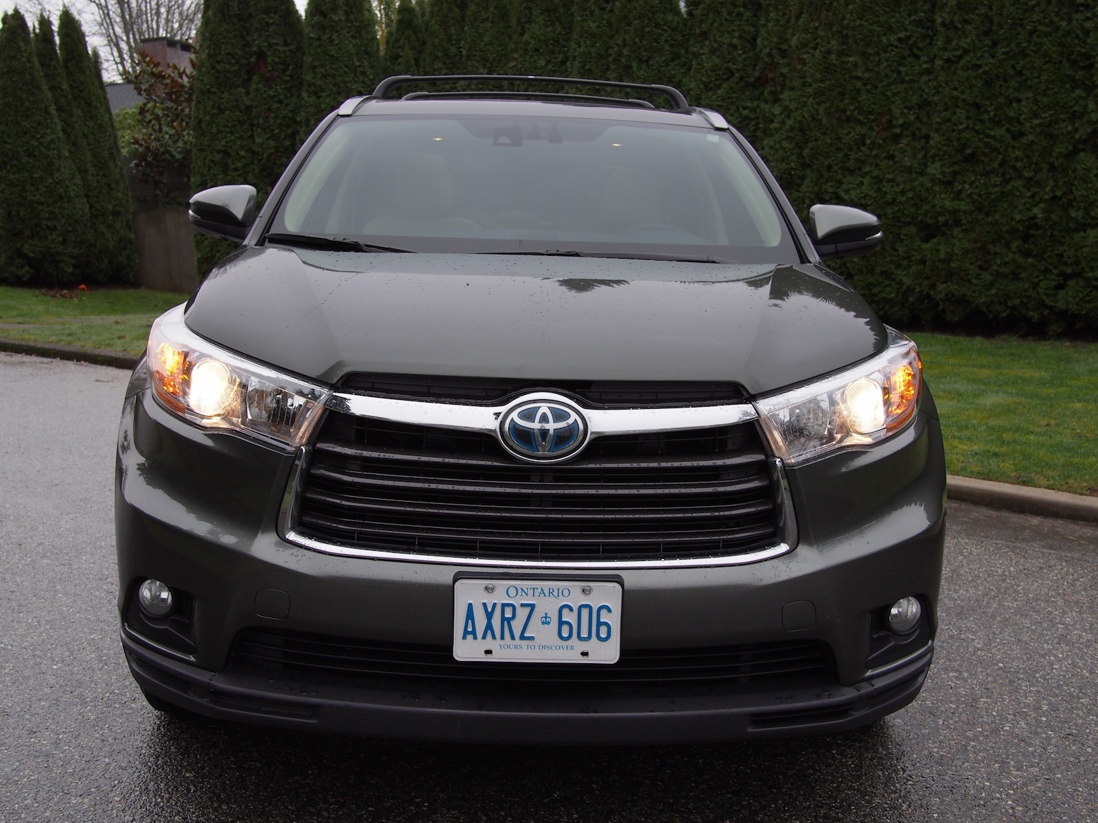 review 2015 toyota highlander hybrid canadian auto review. Black Bedroom Furniture Sets. Home Design Ideas