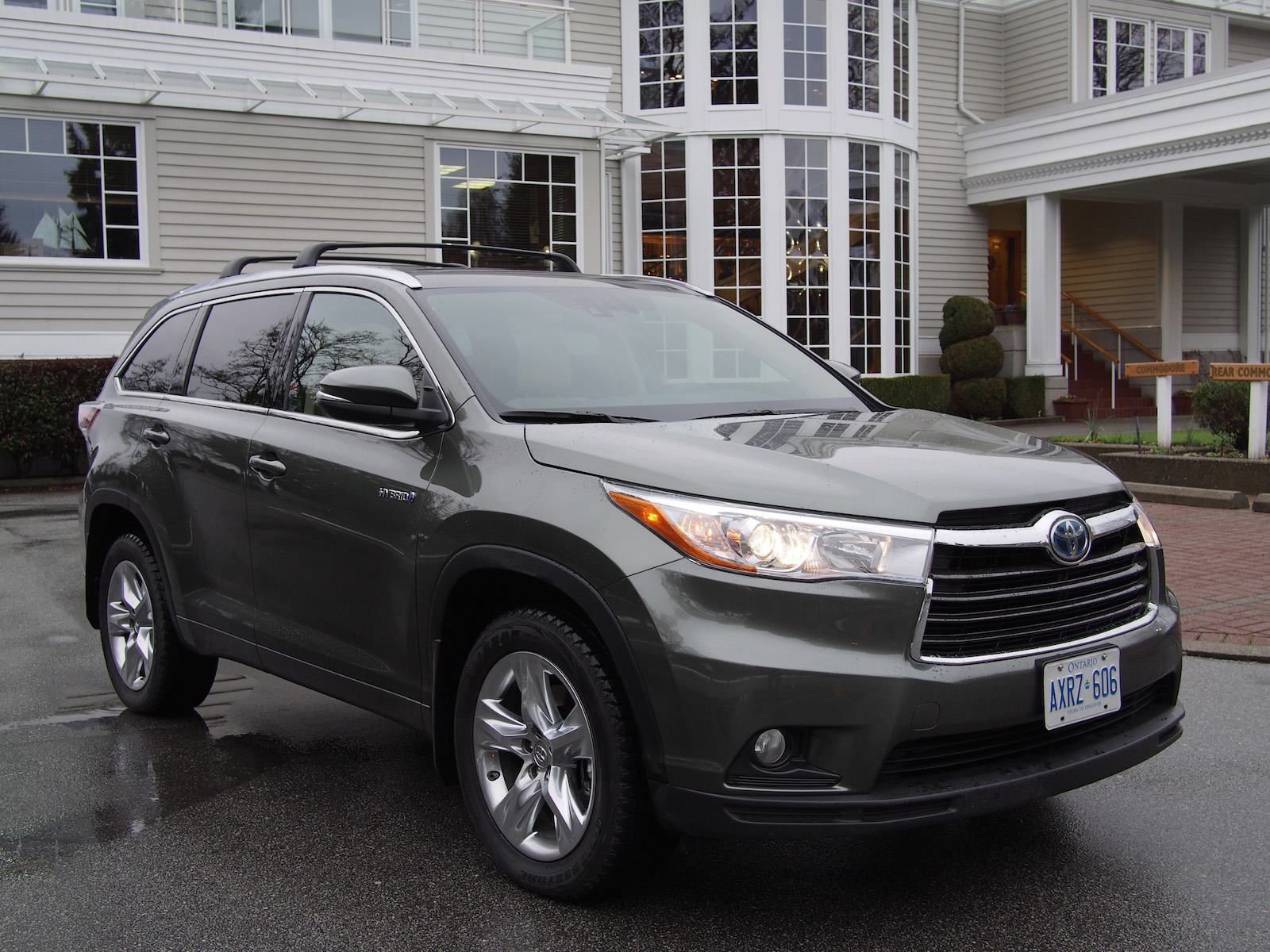 review 2015 toyota highlander hybrid. Black Bedroom Furniture Sets. Home Design Ideas