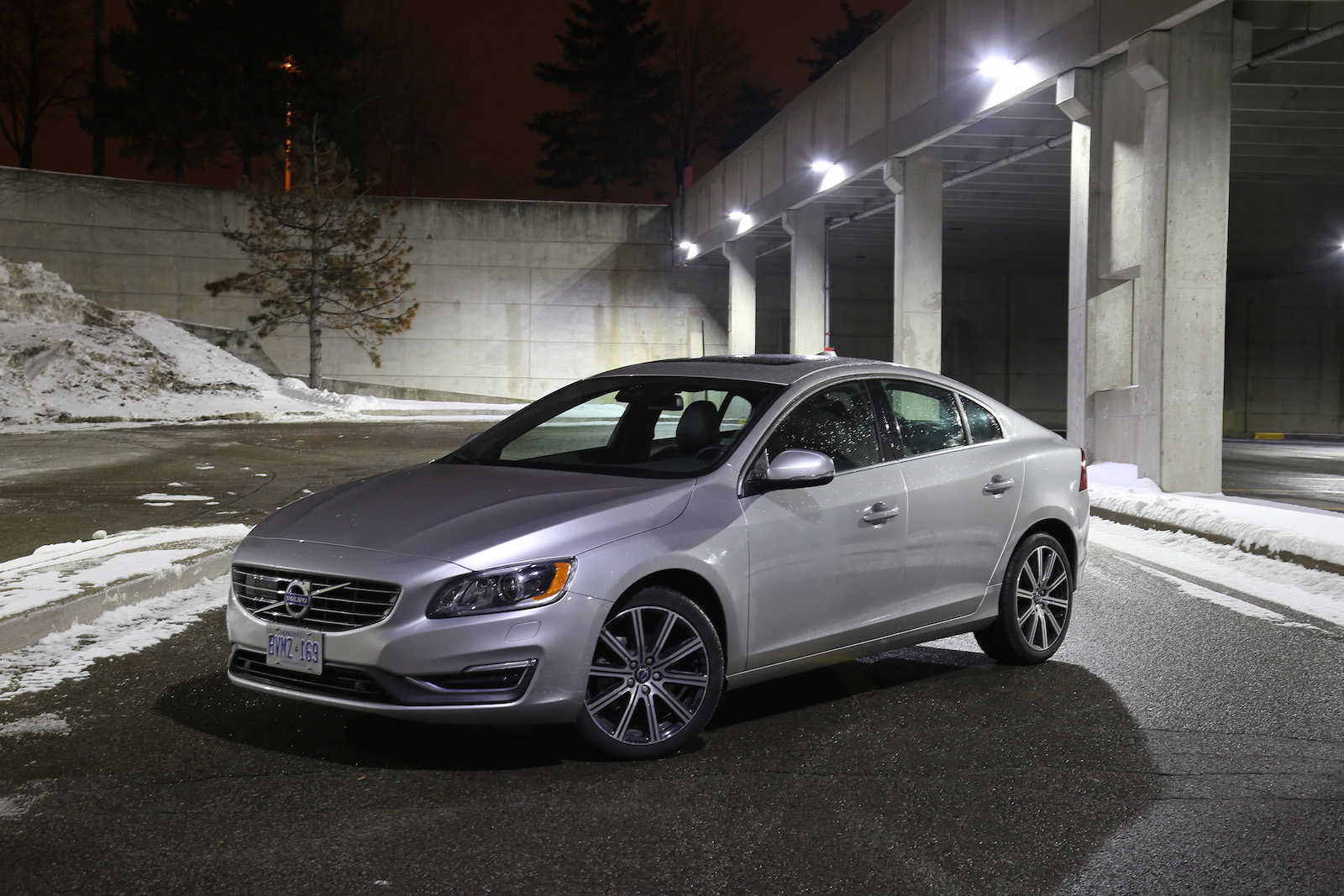 review 2015 volvo s60 t6 drive e canadian auto review. Black Bedroom Furniture Sets. Home Design Ideas