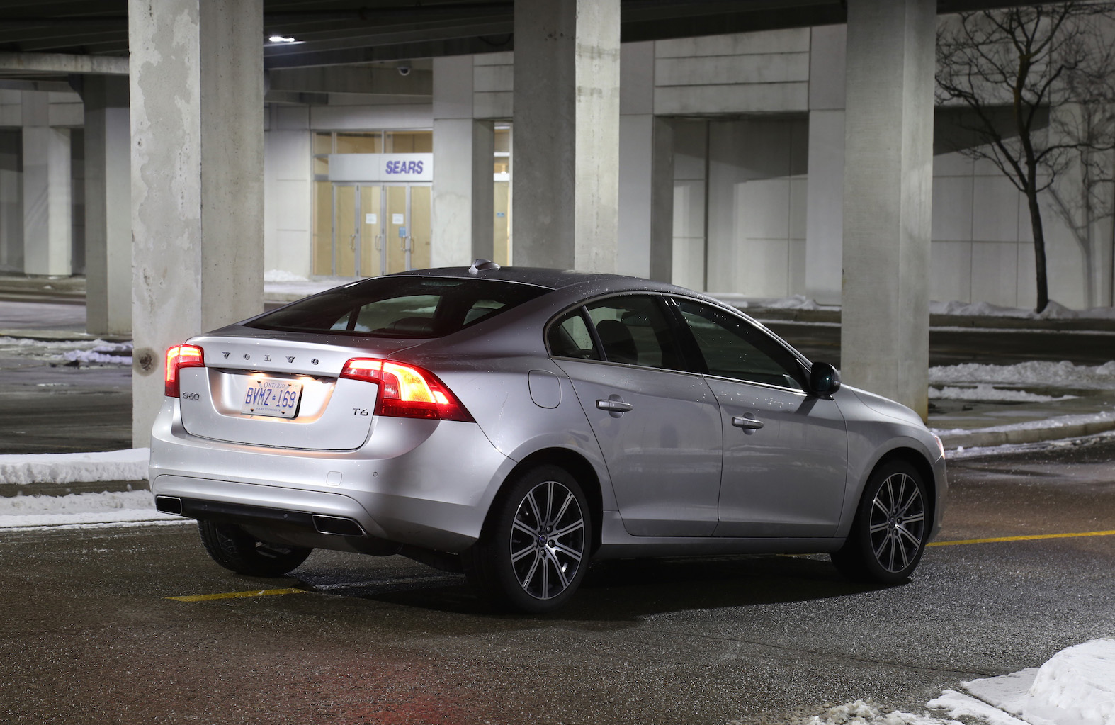 Review 2015 Volvo S60 T6 Drive E Canadian Auto Review