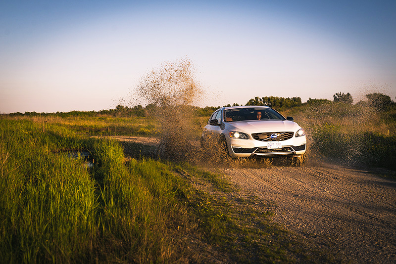 2015 volvo v60 cross country canada