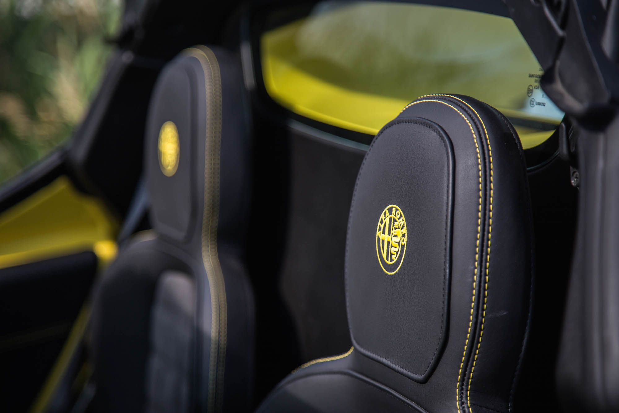 review 2016 alfa romeo 4c spider canadian auto review. Black Bedroom Furniture Sets. Home Design Ideas