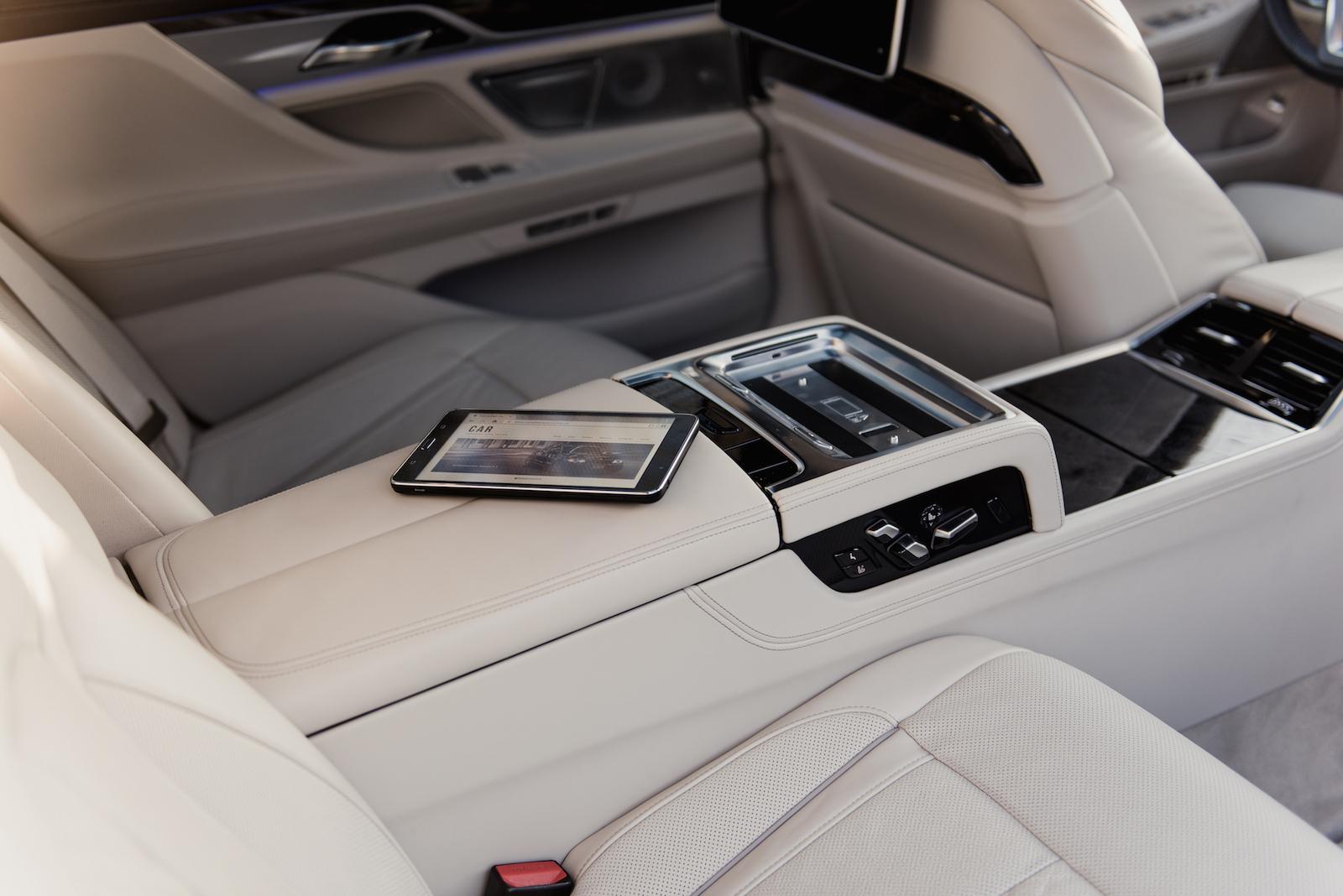 2016 BMW 750Li XDrive Executive Lounge Samsung Tablet