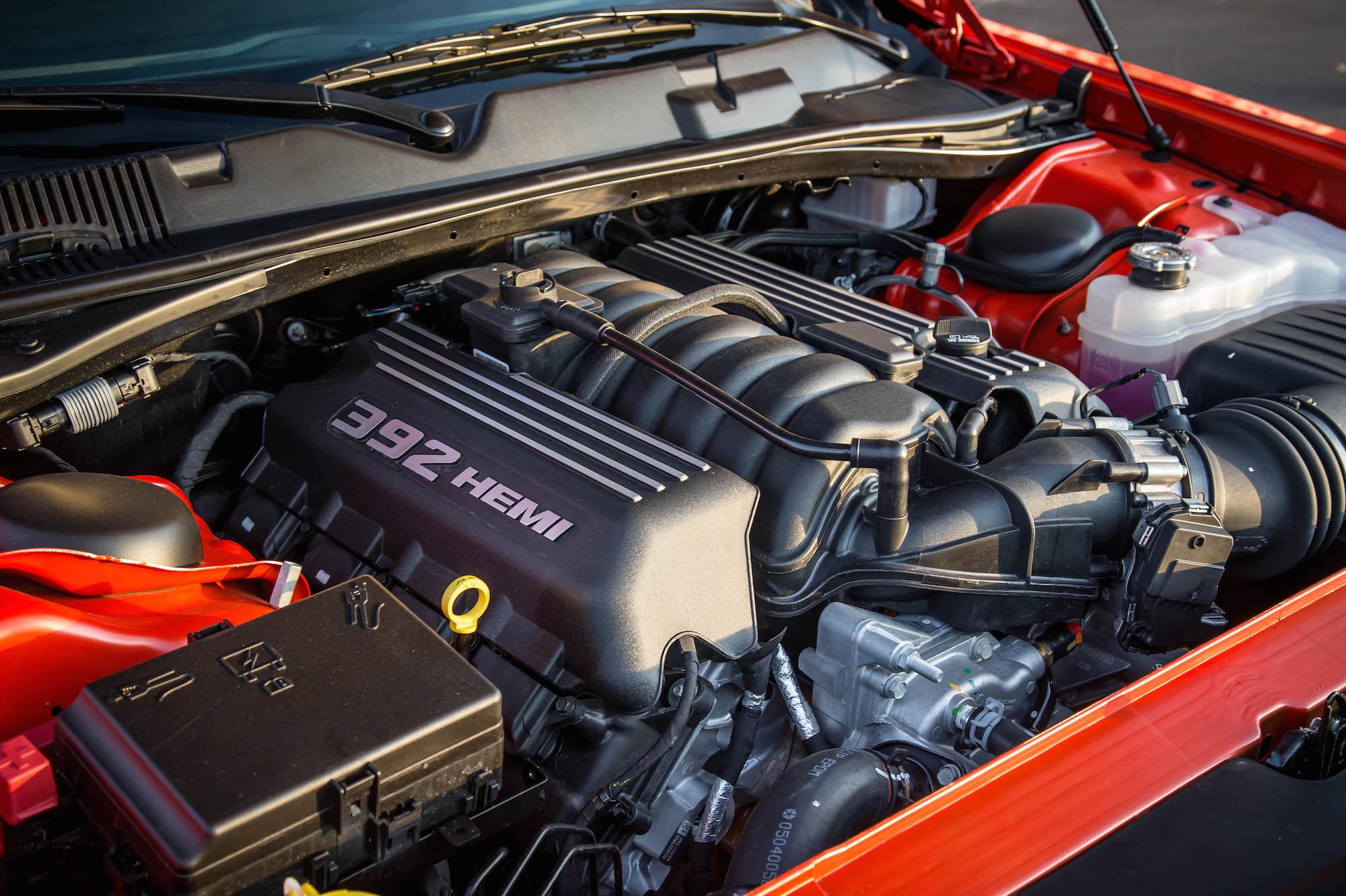Review 2016 Dodge Challenger Srt 392 Canadian Auto Review