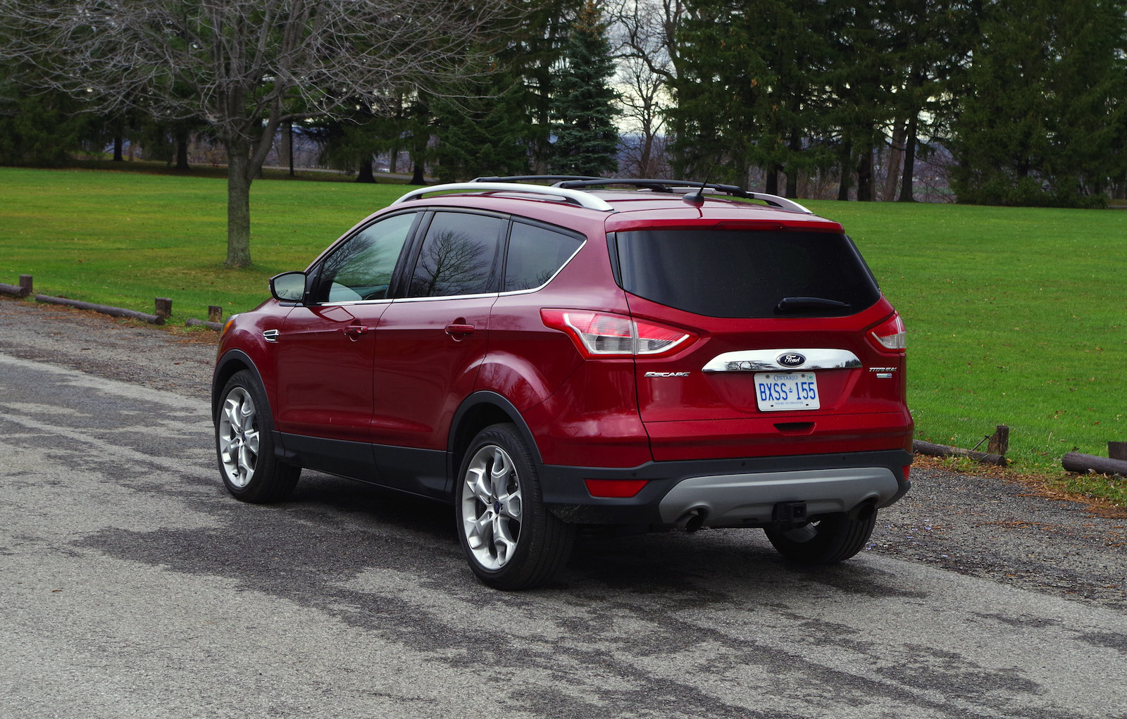 review 2016 ford escape titanium canadian auto review. Black Bedroom Furniture Sets. Home Design Ideas
