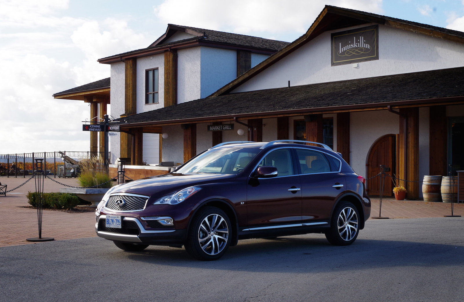 infiniti review take carsdirect reviews infinity our