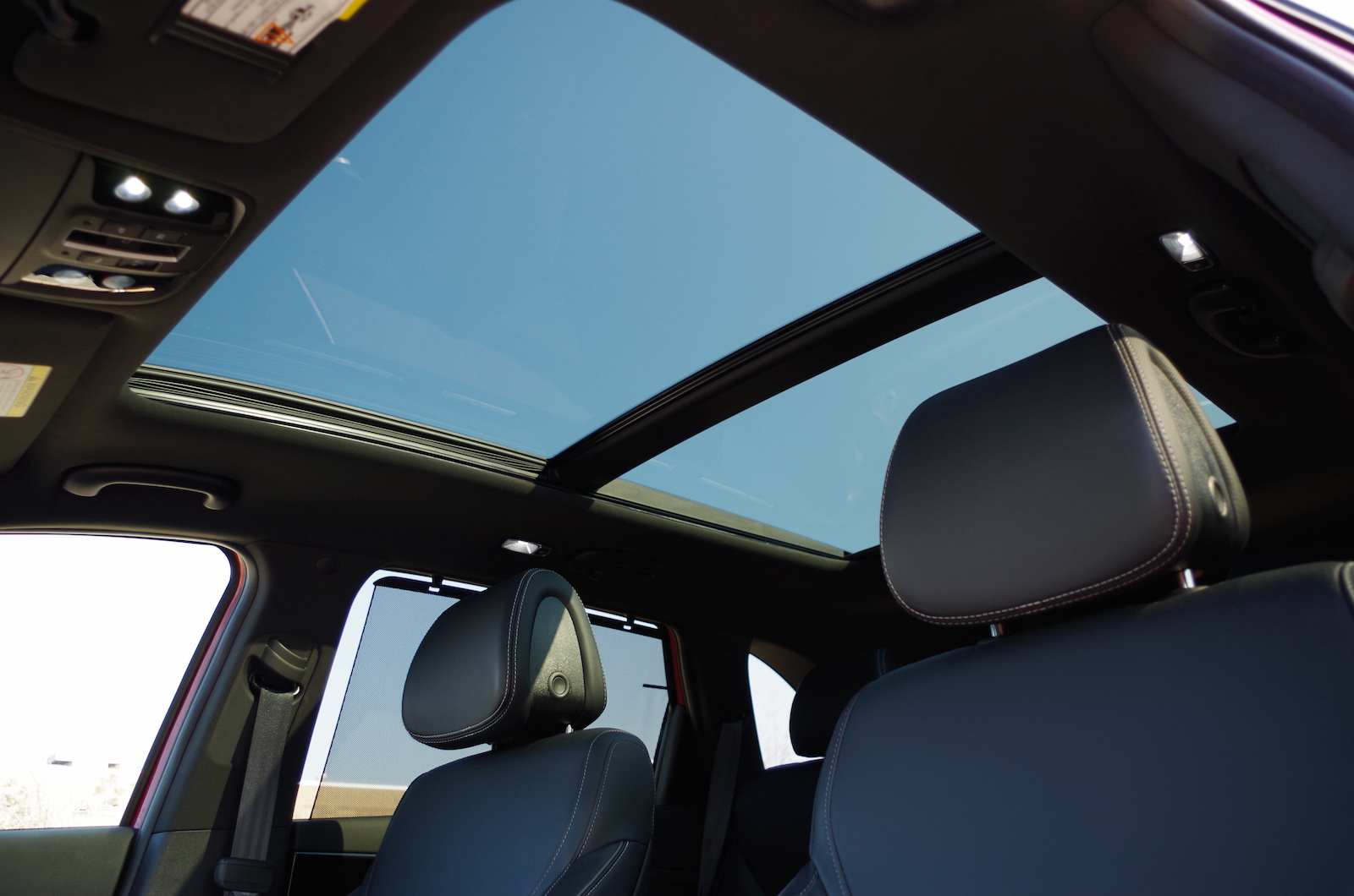 Kia Sorento: Panoramic sunroof