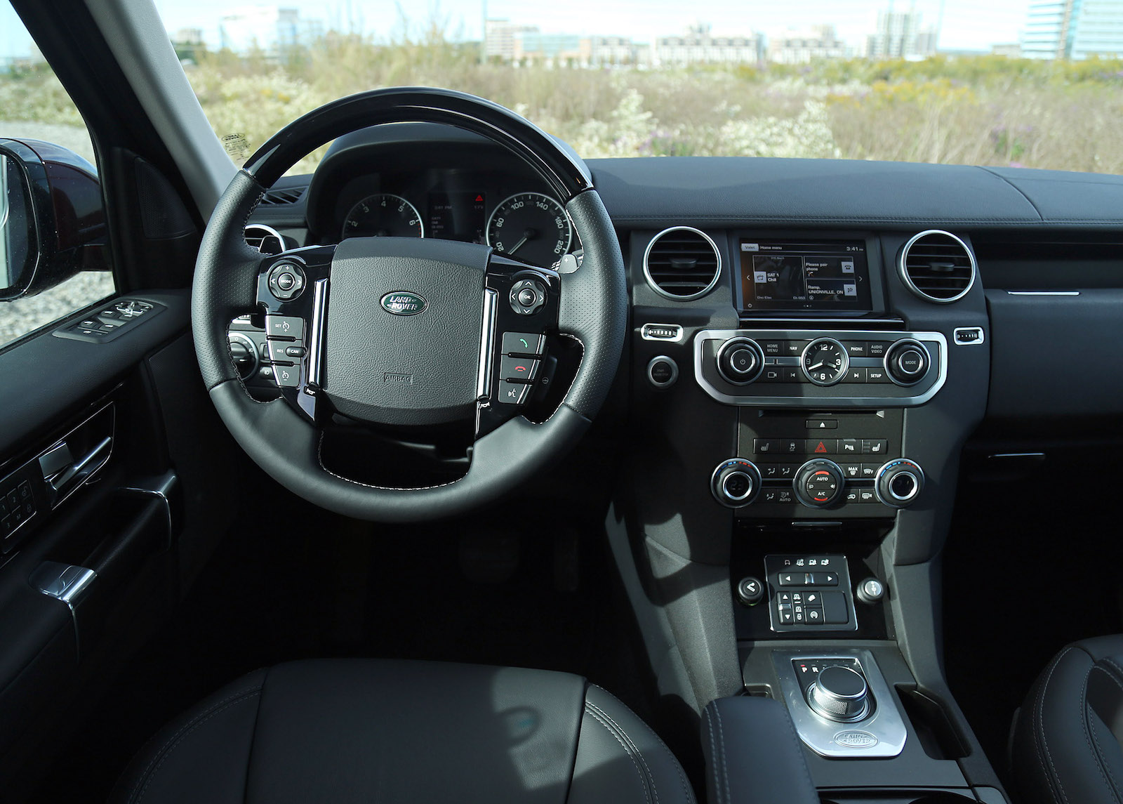 Range Rover Interior >> Review: 2016 Land Rover LR4 HSE Lux | Canadian Auto Review