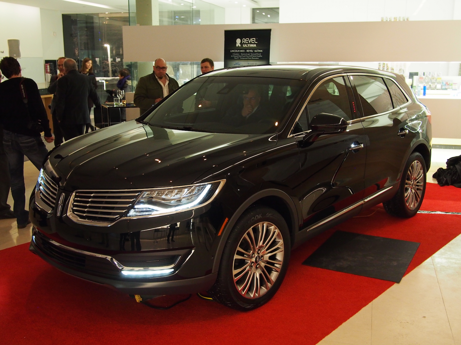 first look 2016 lincoln mkx canadian auto review. Black Bedroom Furniture Sets. Home Design Ideas