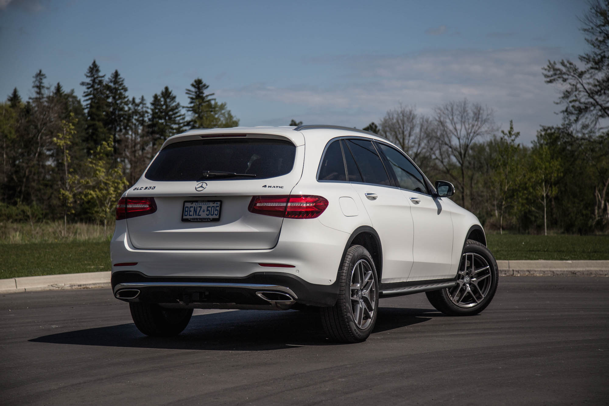 2016 glc 300 4matic canadian auto review for Mercedes benz glc 300 coupe