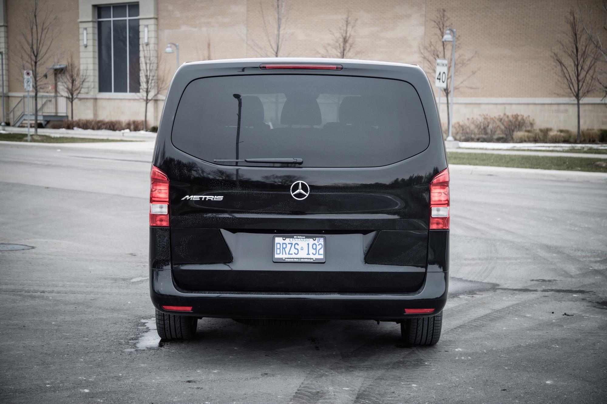 2016 metris passenger van canadian auto review for Mercedes benz metris passenger van