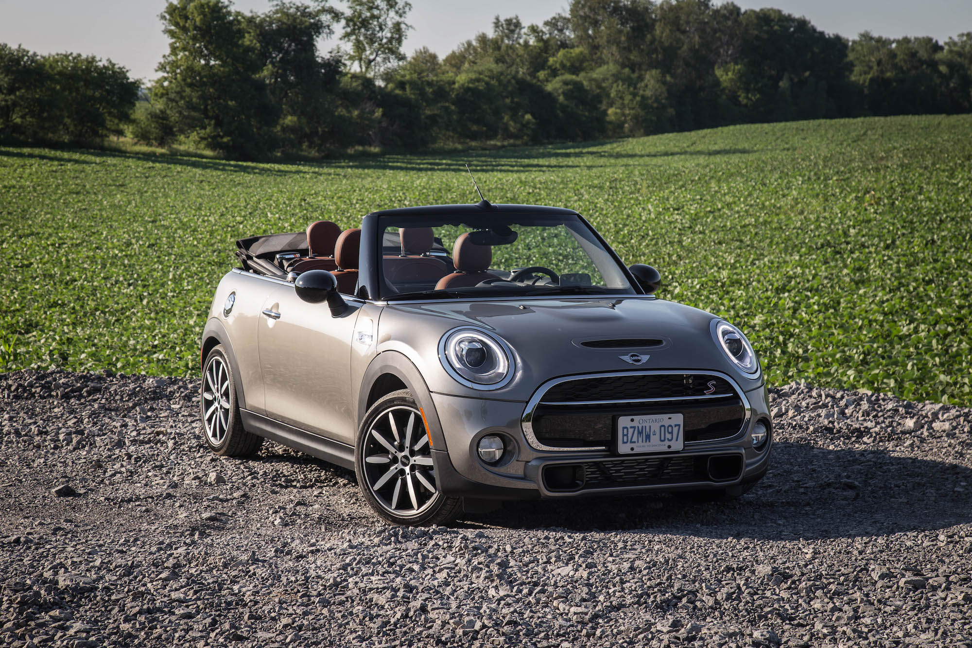 review 2016 mini cooper s convertible canadian auto review. Black Bedroom Furniture Sets. Home Design Ideas