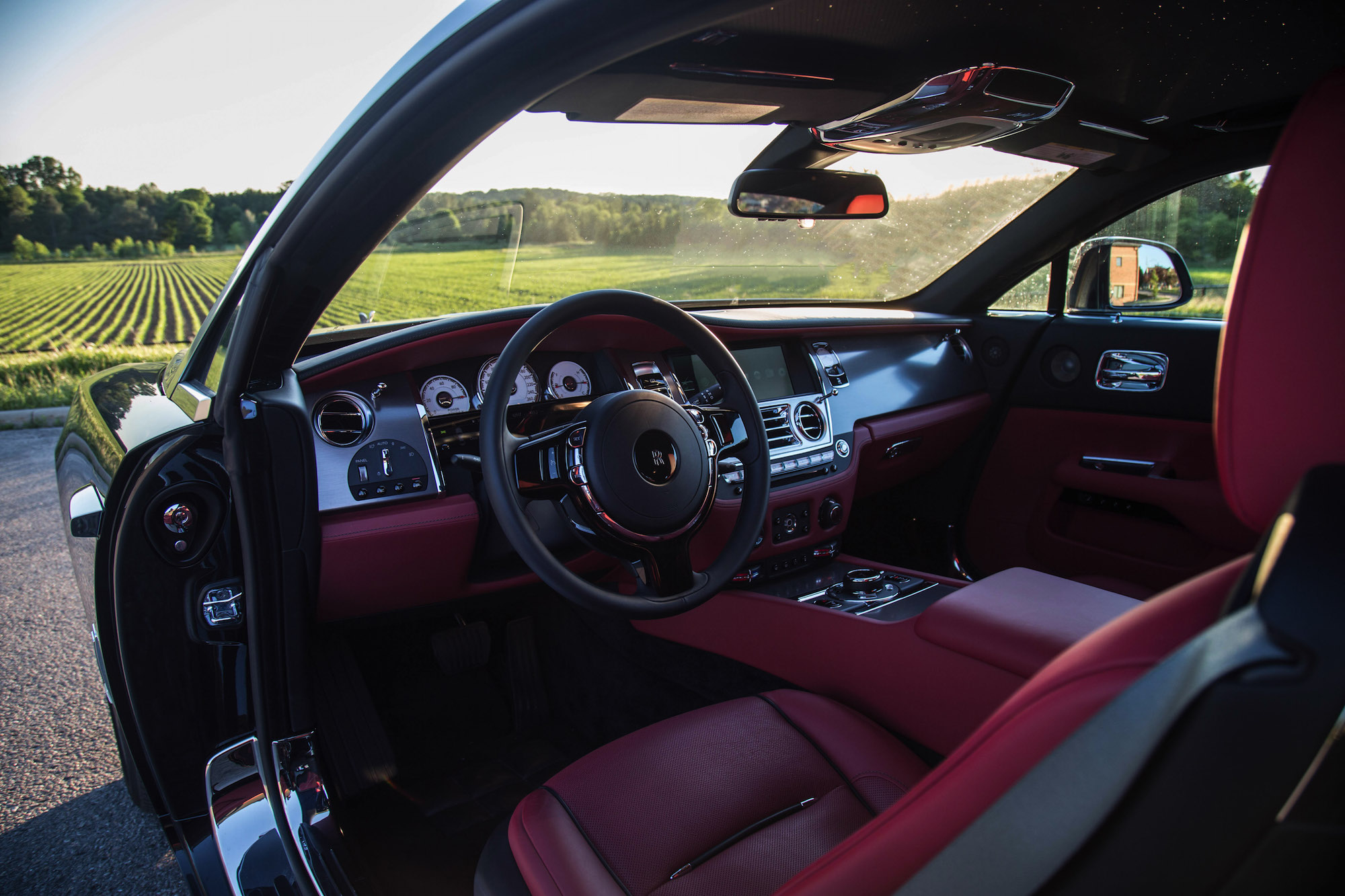 review 2016 rolls royce wraith canadian auto review. Black Bedroom Furniture Sets. Home Design Ideas