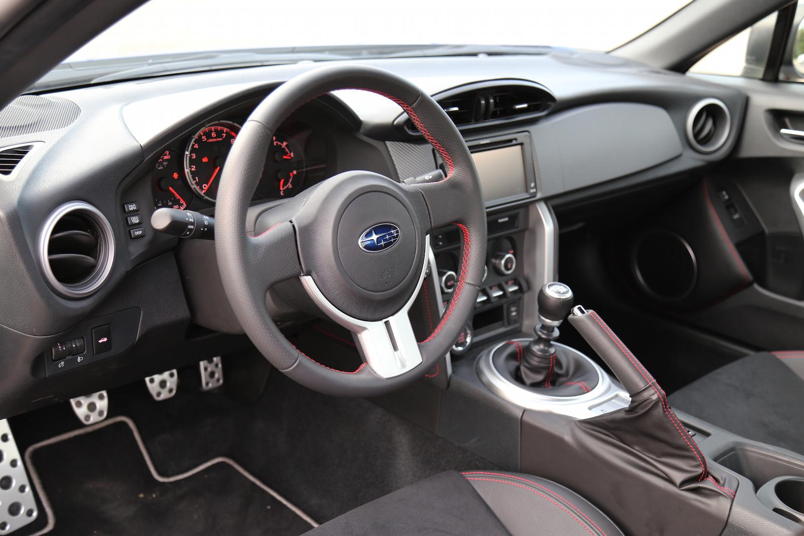Comparison Review 2016 Subaru Brz Vs 2015 Ford Focus St Canadian
