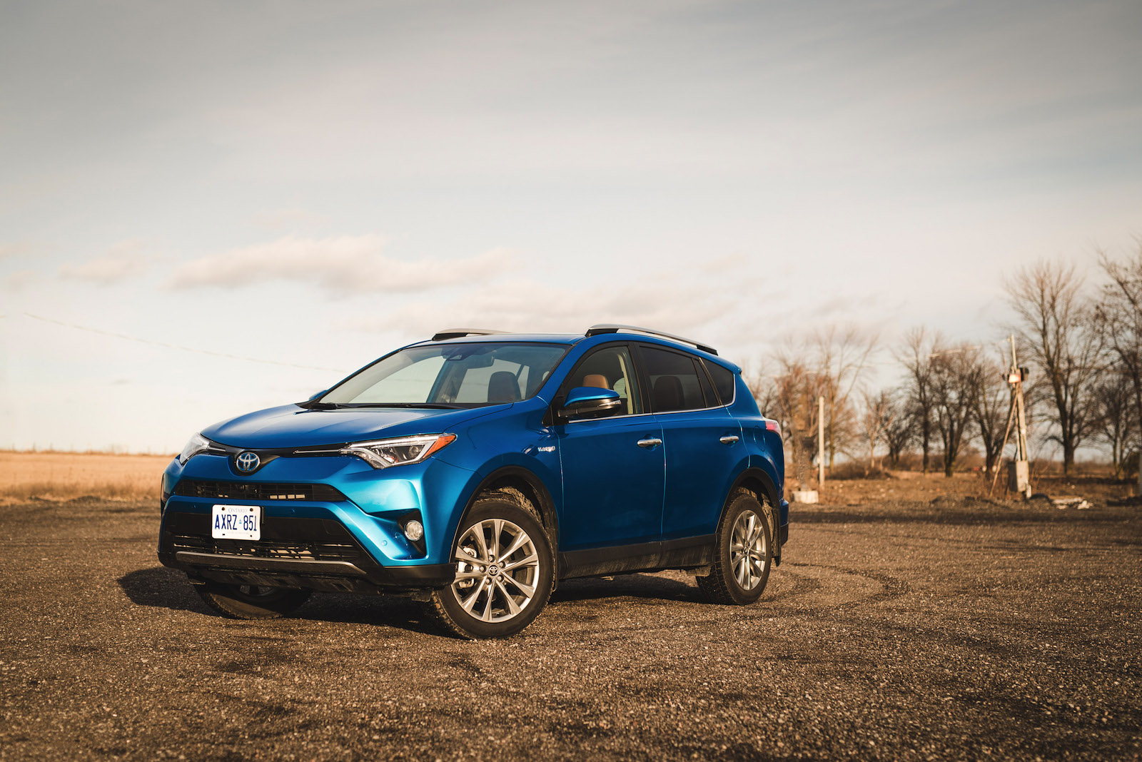review 2016 toyota rav4 hybrid canadian auto review. Black Bedroom Furniture Sets. Home Design Ideas
