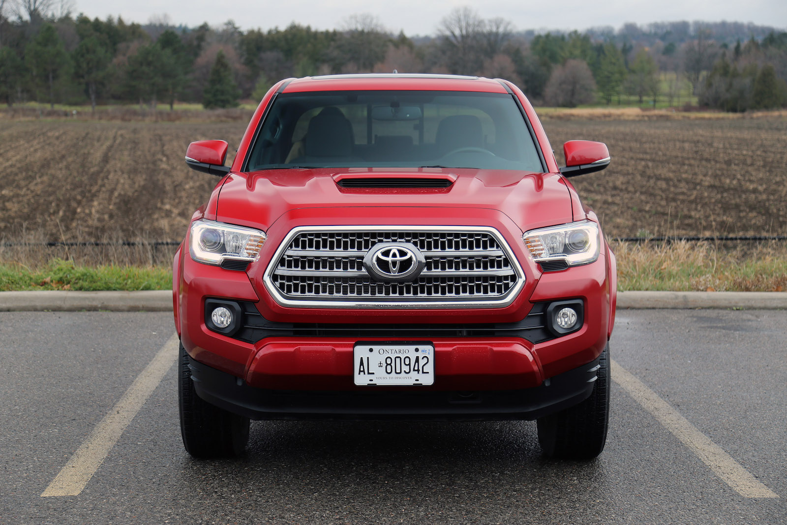review 2016 toyota tacoma canadian auto review. Black Bedroom Furniture Sets. Home Design Ideas