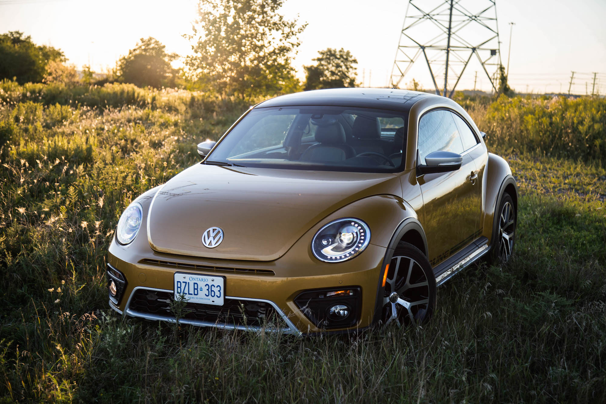 review 2016 volkswagen beetle dune canadian auto review. Black Bedroom Furniture Sets. Home Design Ideas