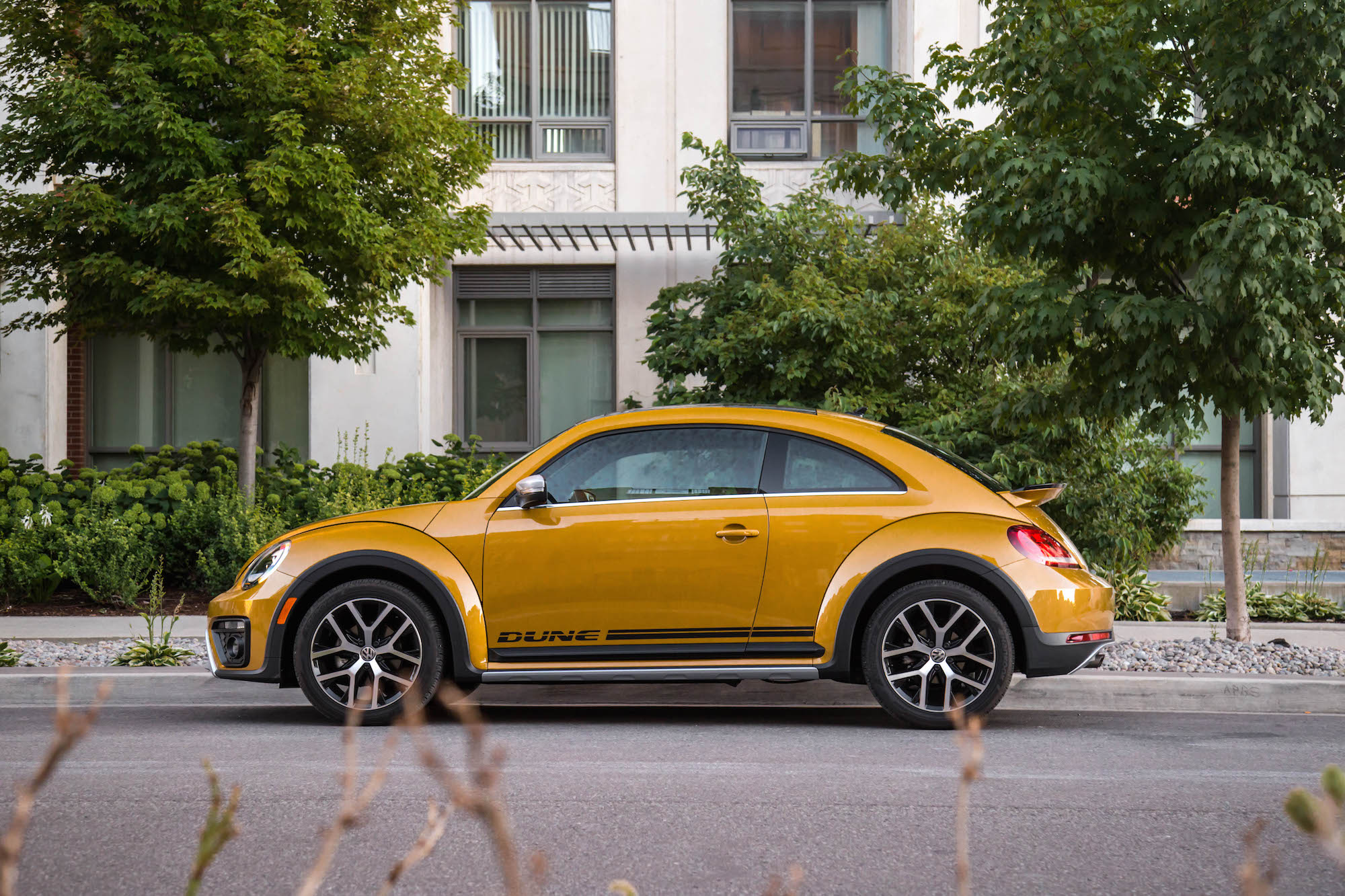 Review 2016 Volkswagen Beetle Dune Canadian Auto Review