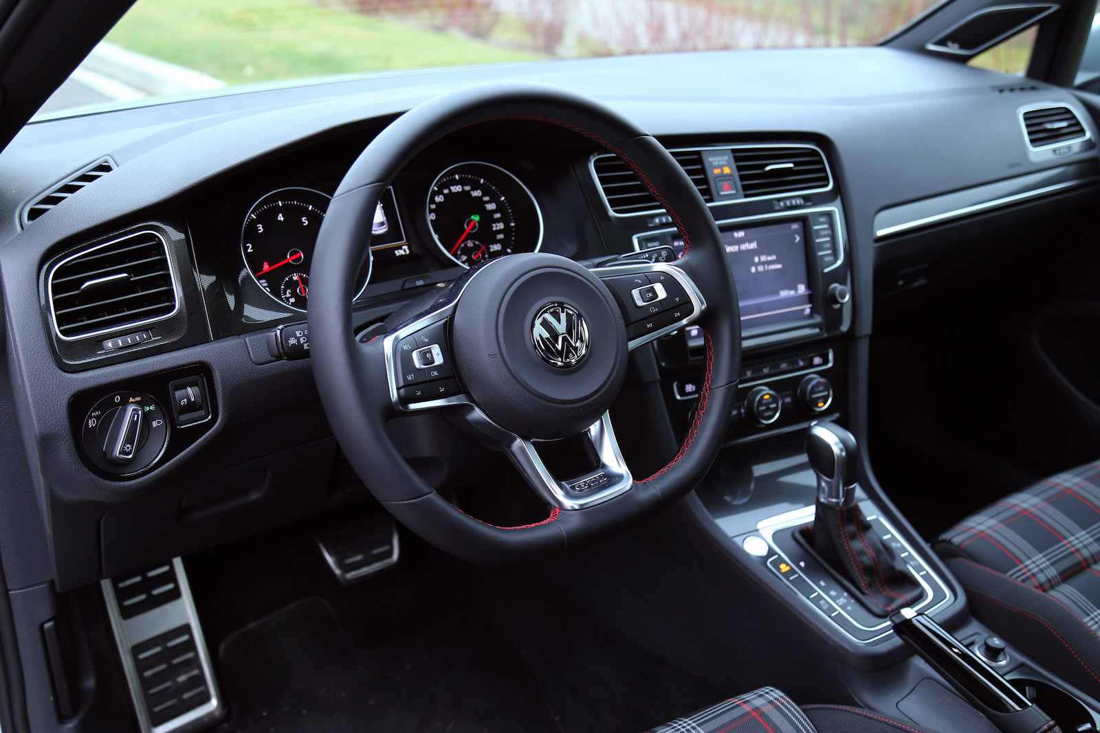 Review 2016 Volkswagen Golf Gti Canadian Auto Review