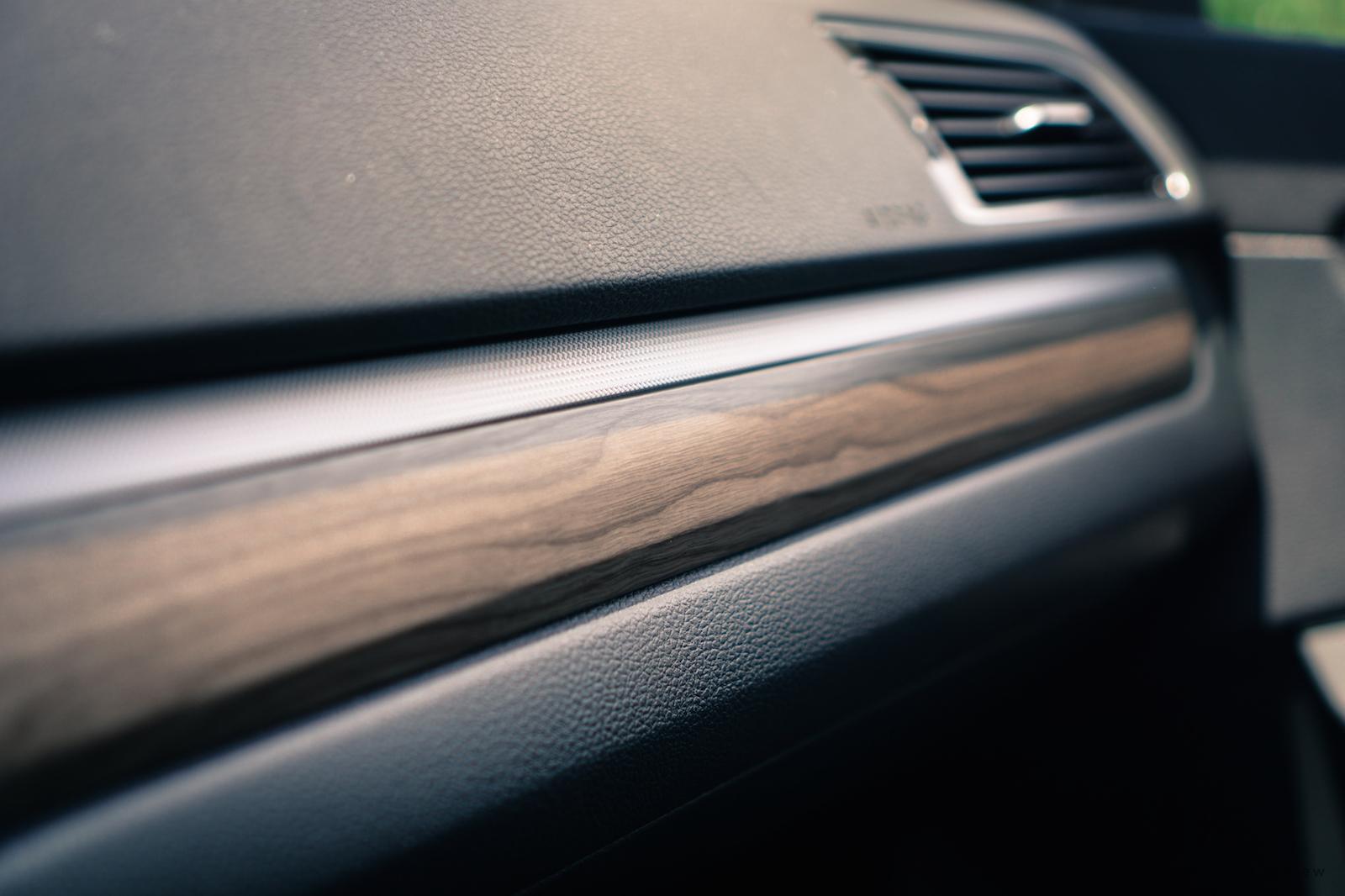 Review 2016 Volkswagen Passat Canadian Auto Wooden Panel Dashboard Wood