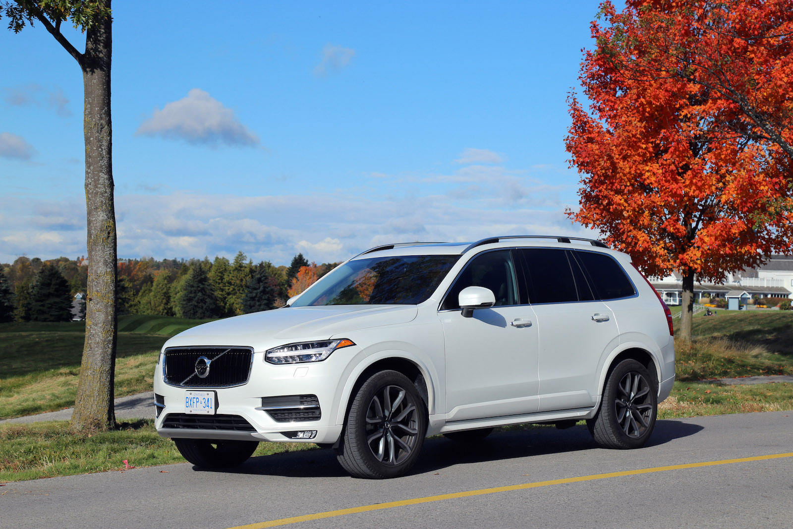 review 2016 volvo xc90 momentum canadian auto review. Black Bedroom Furniture Sets. Home Design Ideas