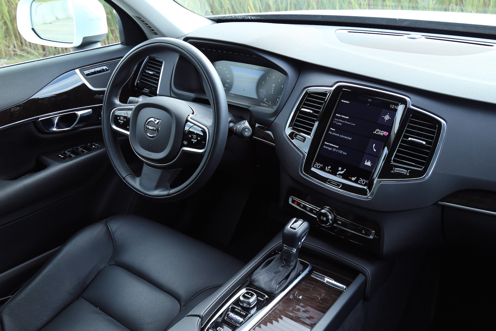 review 2016 volvo xc90 momentum canadian auto review