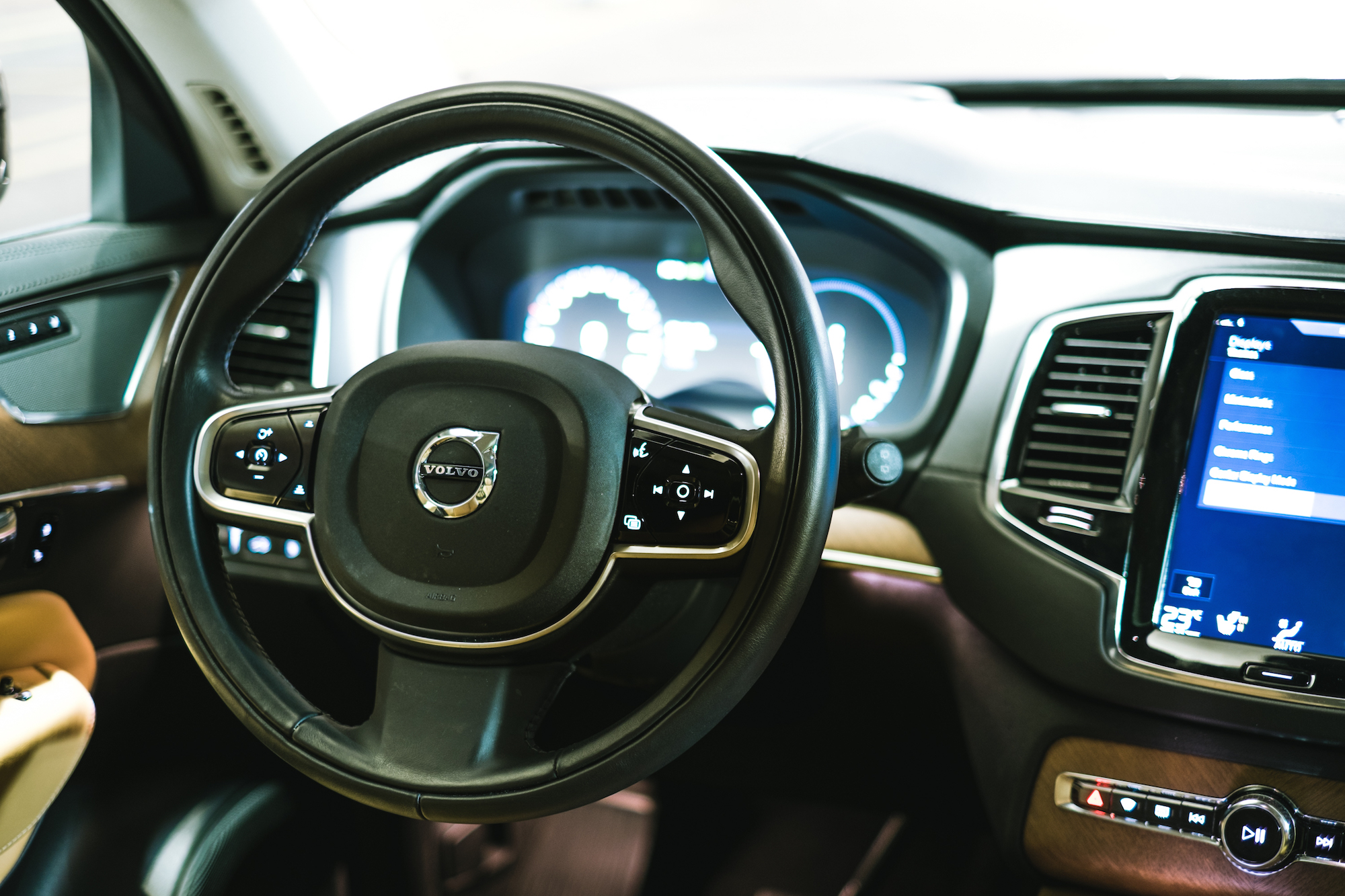 Review 2016 Volvo Xc90 T8 Inscription Canadian Auto Review