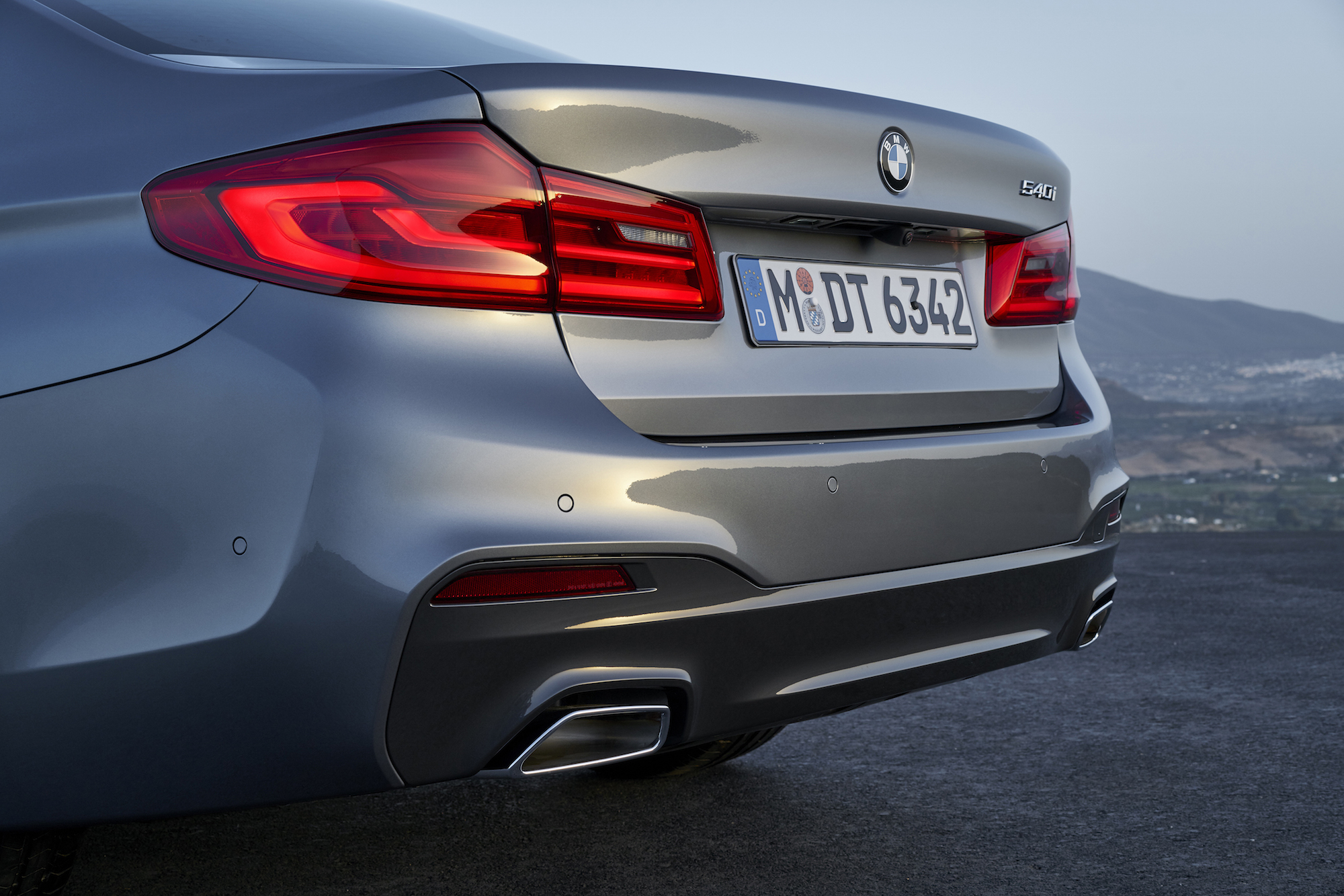 first look: 2017 bmw 5 series sedan | canadian auto review