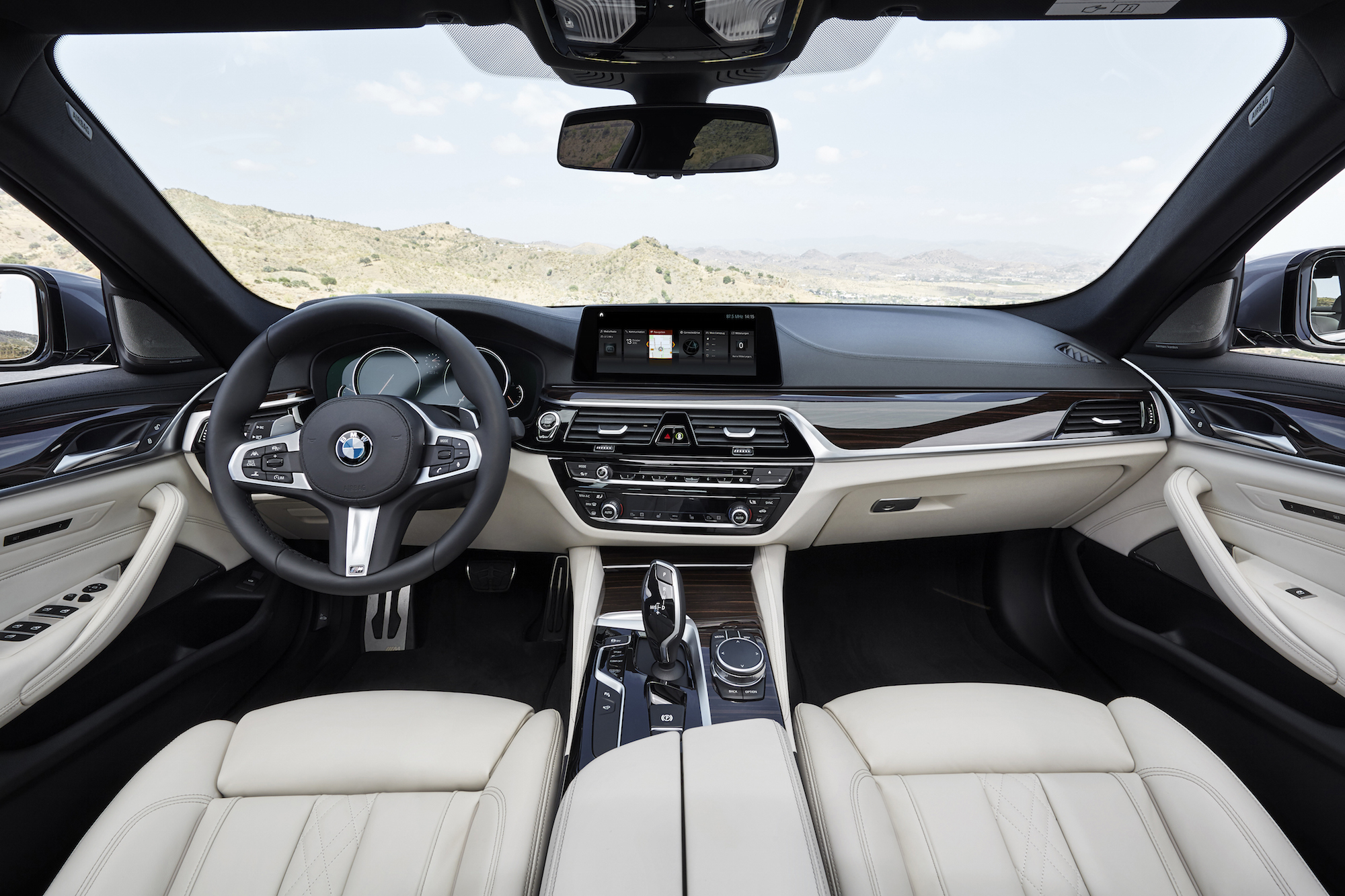 2017 BMW 540i XDrive New Interior