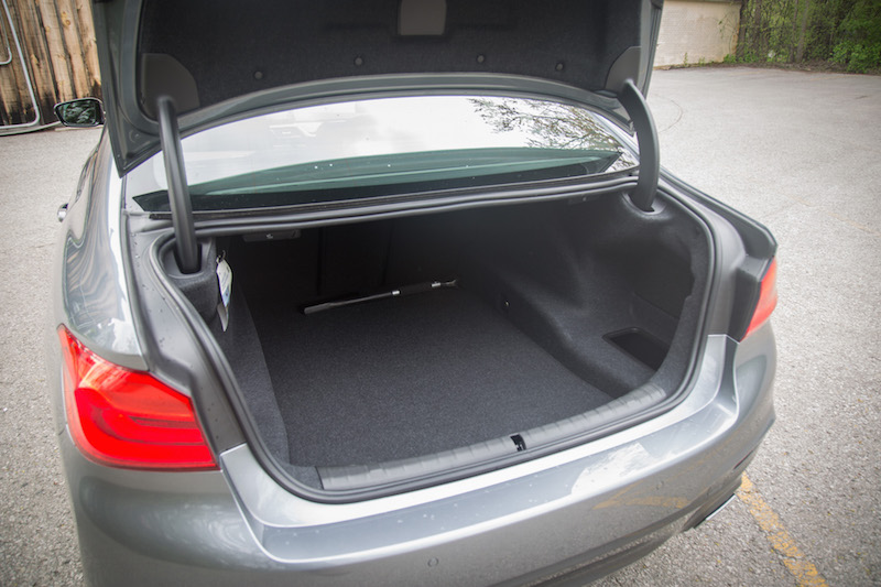 bmw 540i xdrive trunk space specifications cargo