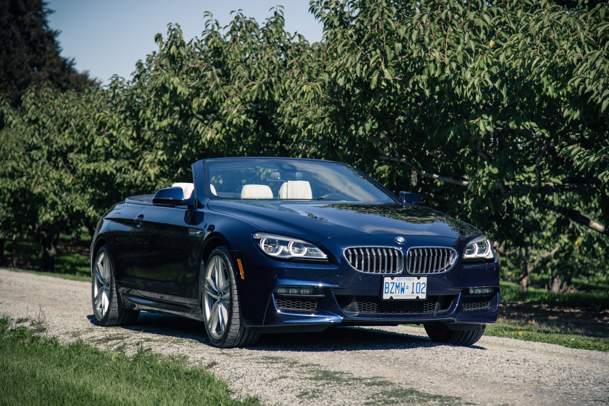 Bmw Series Twin Turbo V additionally Bmw I V Bmw Csi  parison likewise Frozen Purple Bmw Series Coupe Does Photo Shoot In Scrapyard Photo Gallery also Bmw I together with I Cabriolet Fs. on bmw 650i car