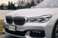 2017 BMW 740Le xDrive front grill headlights