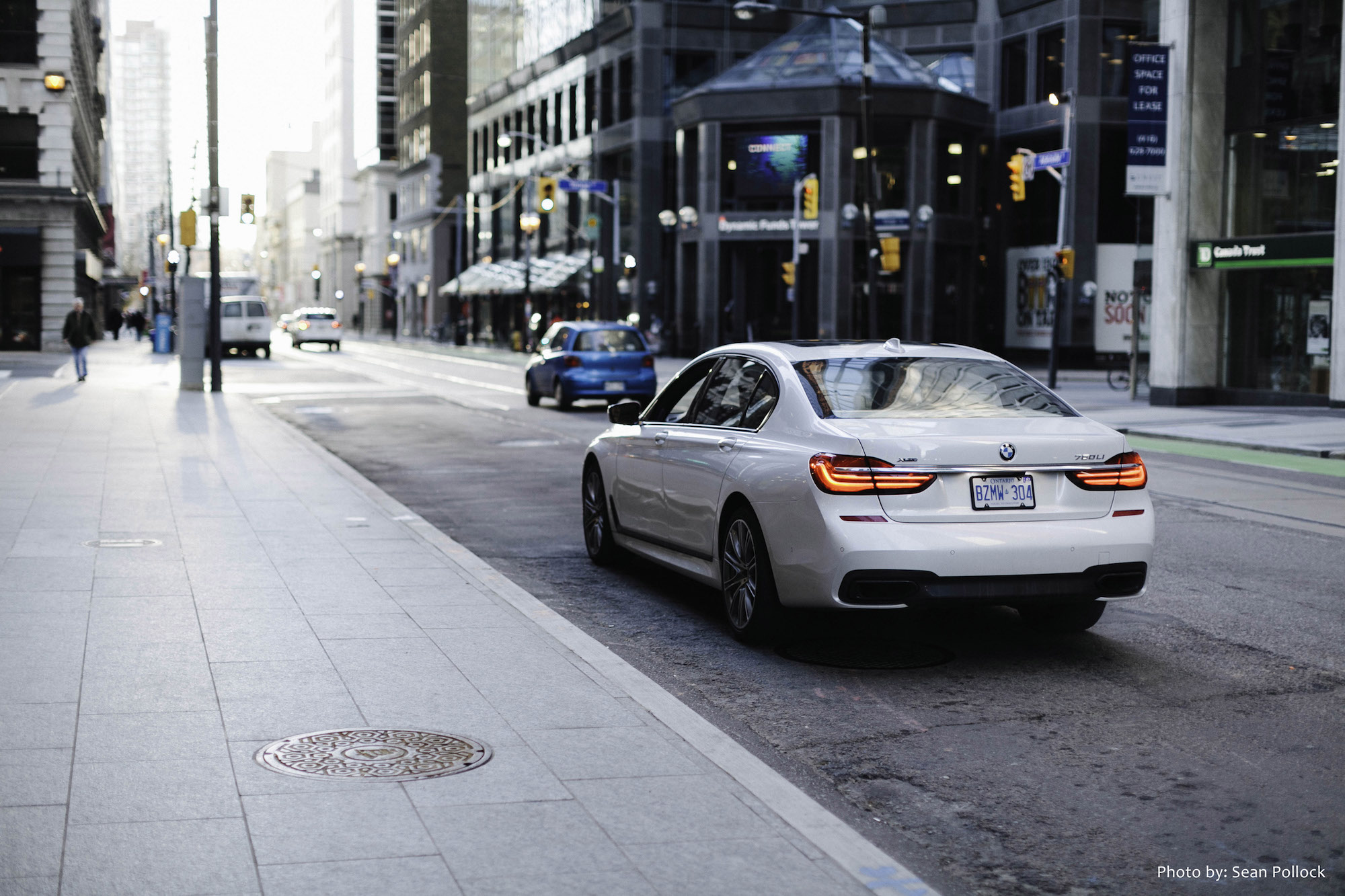 analysis bmw 750li The 7 series hails as the flagship sedan of the bmw lineup one step down is the 750i the bmw 7 series squares off with the mercedes-benz s-class.