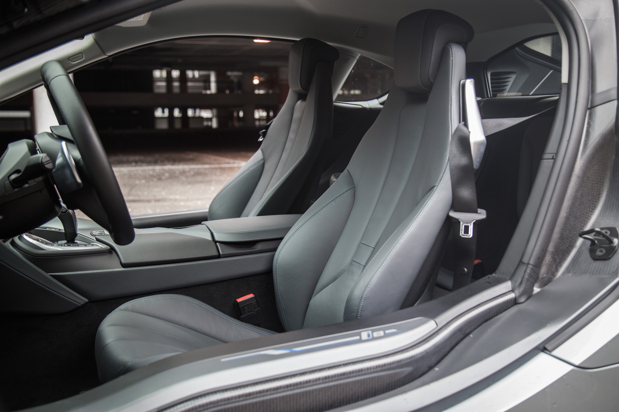 Charming ... 2017 BMW I8 Front Seats Carpo