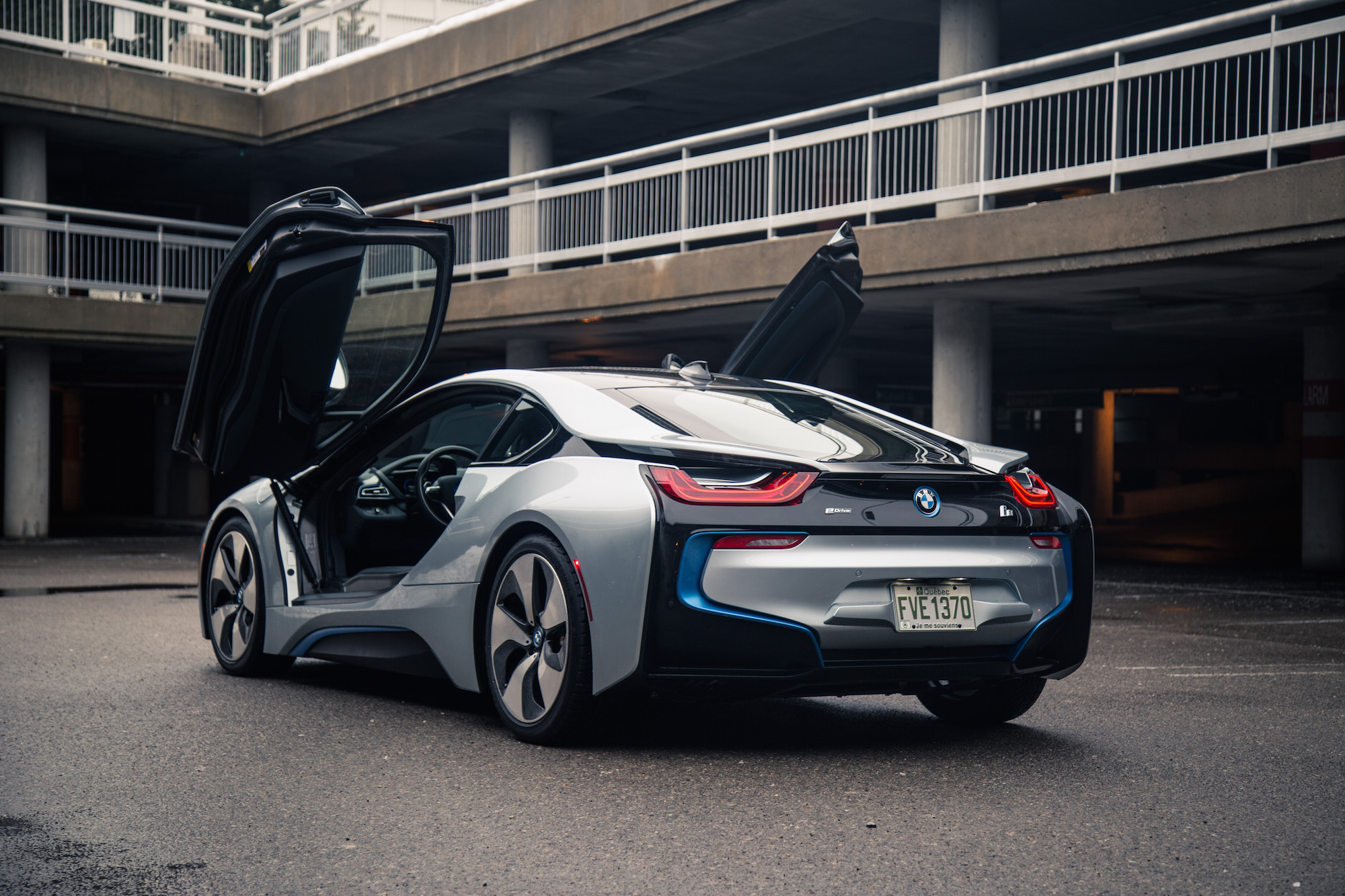 Review 2017 BMW I8