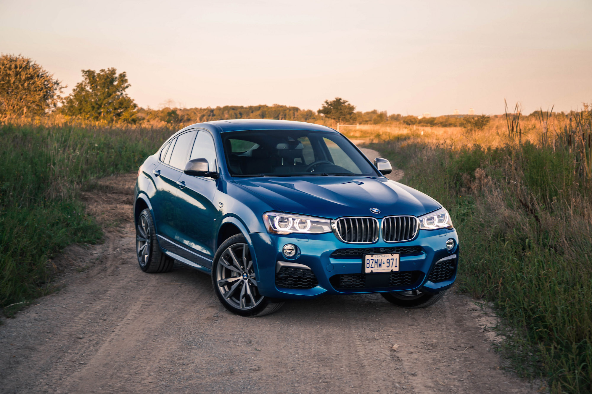 Review 2017 BMW X4 M40i
