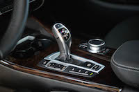 2017 BMW X4 M40i 8-speed gear shifter
