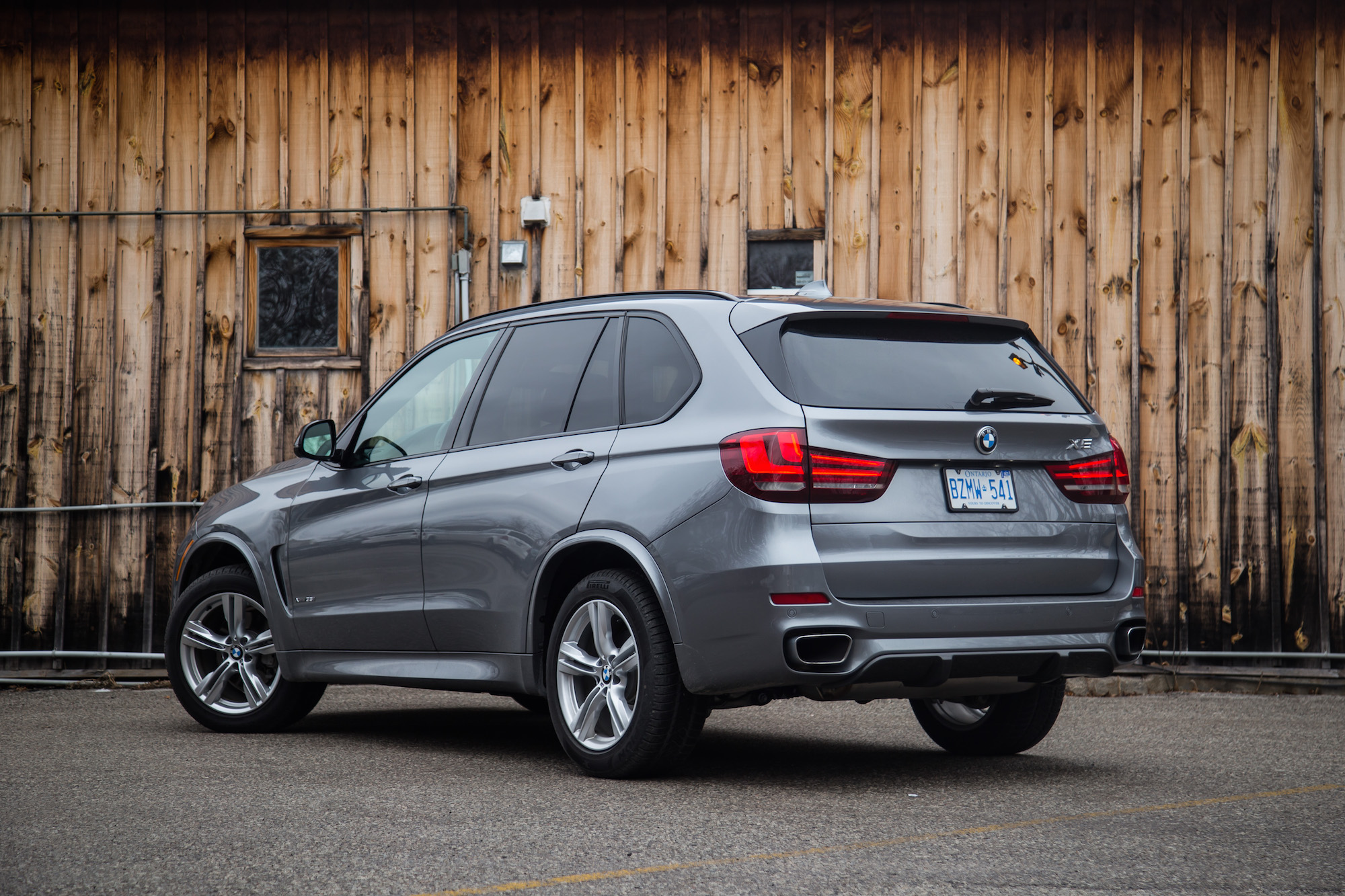 review 2017 bmw x5 xdrive35i with m performance package. Black Bedroom Furniture Sets. Home Design Ideas