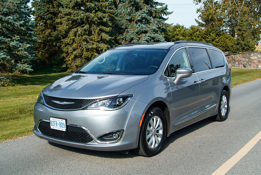 Chrysler Pacifica Touring-L review auto