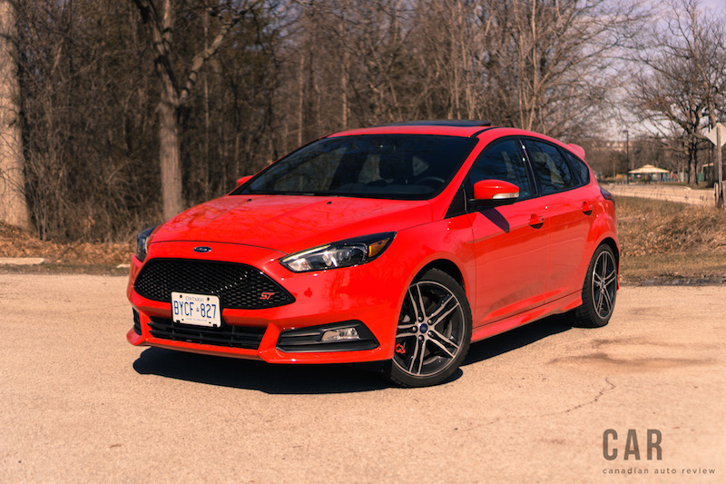 review 2017 ford focus st canadian auto review. Black Bedroom Furniture Sets. Home Design Ideas