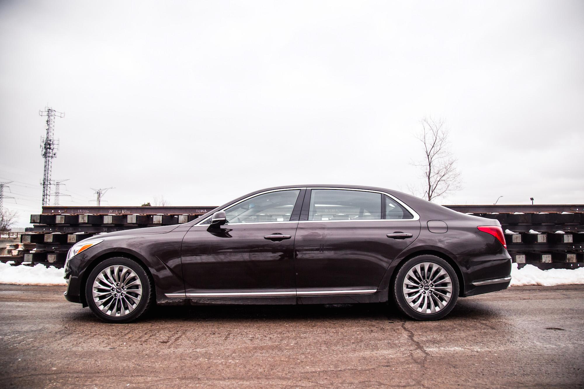 Elegant Review 2017 Genesis G90 33T  Canadian Auto Review