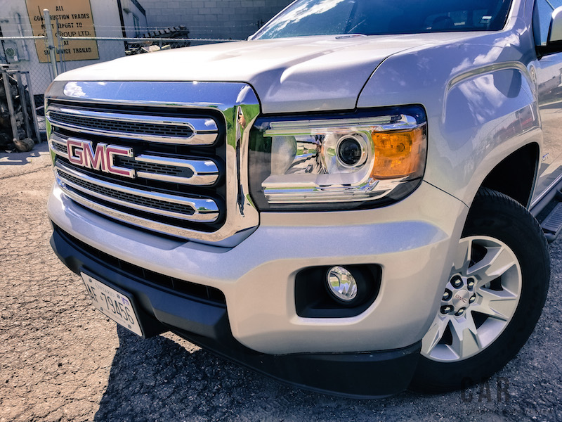 2017 GMC Canyon front hood